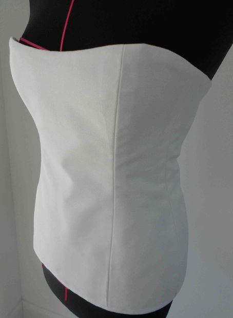 How To Make a Simple Corset http://www.instructables.com/id/How-to-make-a-corsage-quick-easy/