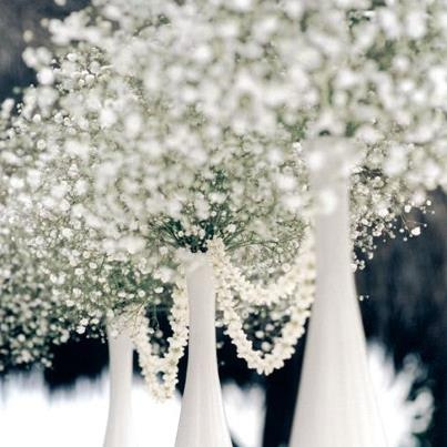 Baby's breath in all its glory! Image: mydreamweddingdecorations.com