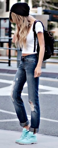 I love everything about this outfit, other than the shoes! This would look so much better with pumps