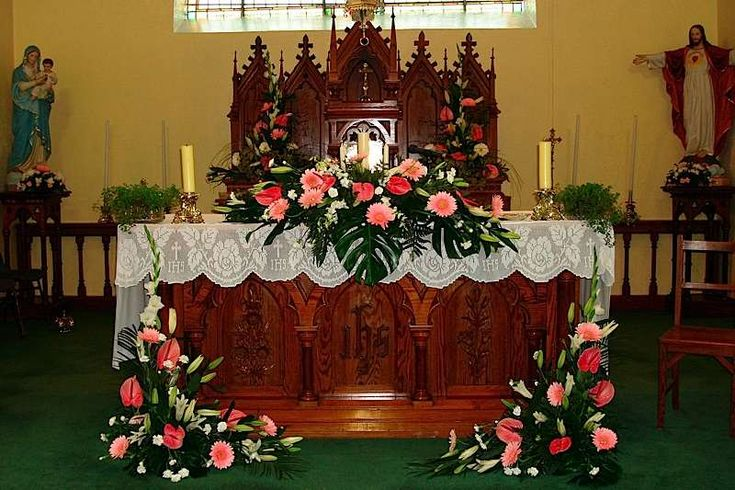 Altar flowers for church | church altar wedding decorations Keywords: #weddings #jevelweddingplanning Follow Us: www.jevelweddingplanning.com www.facebook.com/jevelweddingplanning/