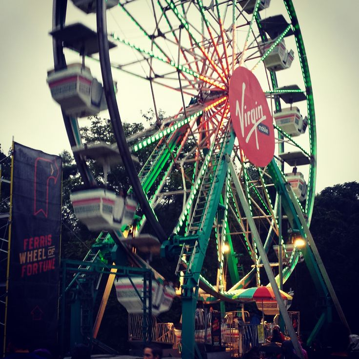 Ferris wheels are so much fun. We could see the entire festival from the top. #FreeFest #tbt