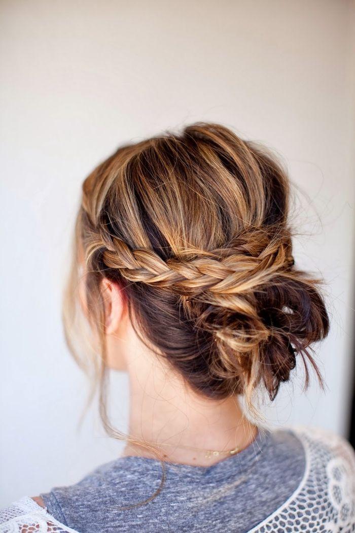Einfache Frisuren Zum Selbermachen Dutt Frisur Mit Zöpfen Frisur