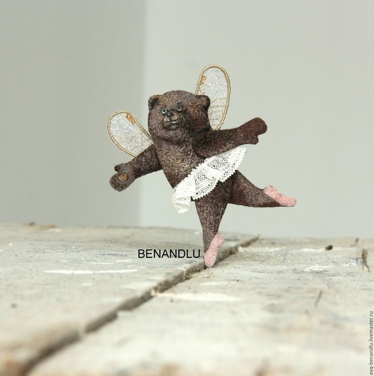Купить Брошь Мишка-балерина. Ручная вышивка шелком - брошь мишка, мишка брошь