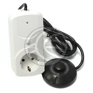 Enchufe con interruptor de pie para ahorro de energ�a  www.cablematic2000.com/producto/Enchufe-con-interruptor-de-pie-para-ahorro-de-energia/