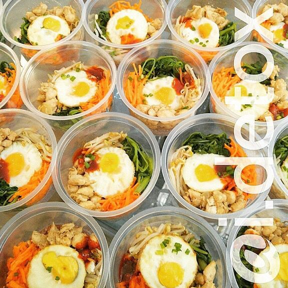Catering by @i.detox is not only healthy but they also let you try different types of cuisine, like this Korean bibimbap. Location: Medan