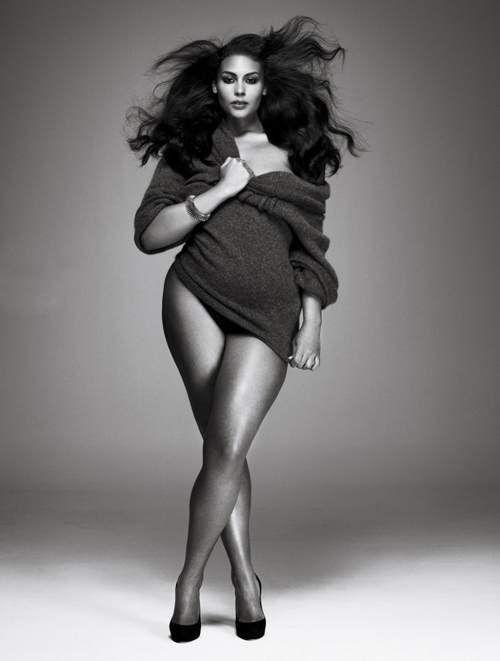women Non nude amateur curvy