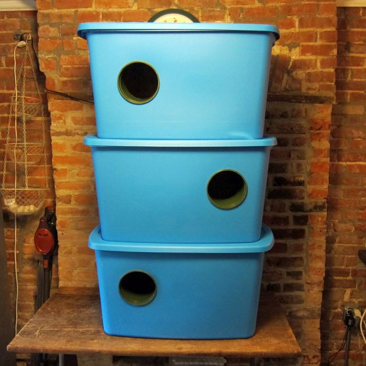 Winter Feral Cat Shelter Build Instructions | Bushwick Street Cats | USES FLOWER POT FOR A SAFE, STURDY ENTRANCE
