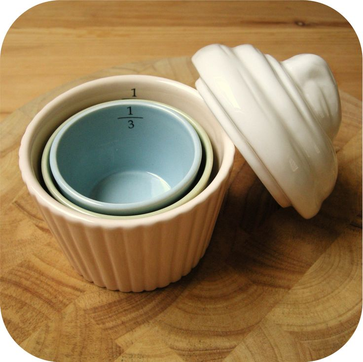 cupcake measuring cups. I need this for my cupcake kitchen
