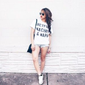 White tshirt with white converse outfit.