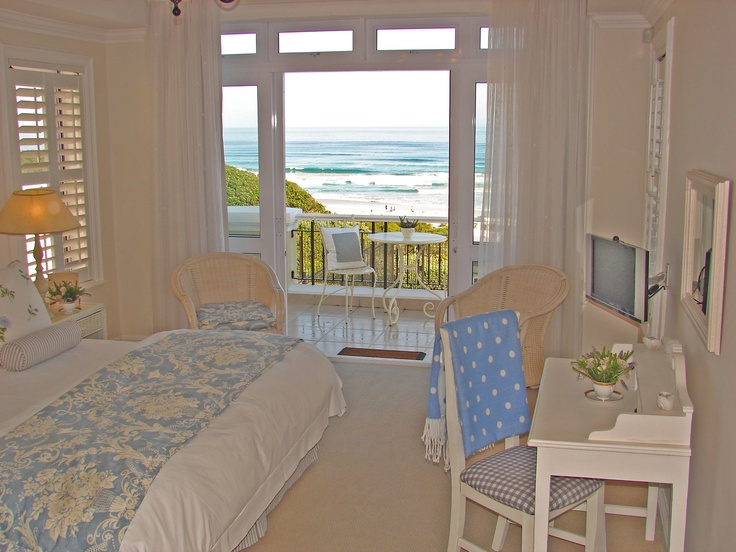 From you bed you see the whales playing in season!