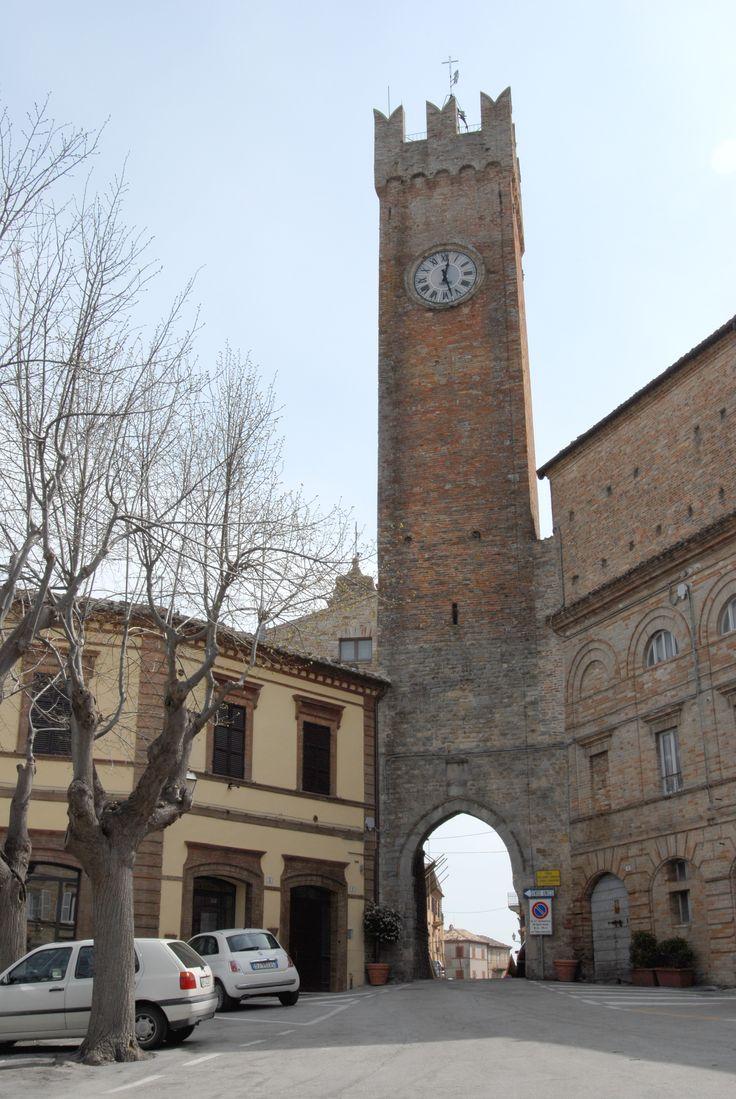 Torre dell'Abate Oderisio. #marcafermana #santavittoriainmatenano #fermo #marche