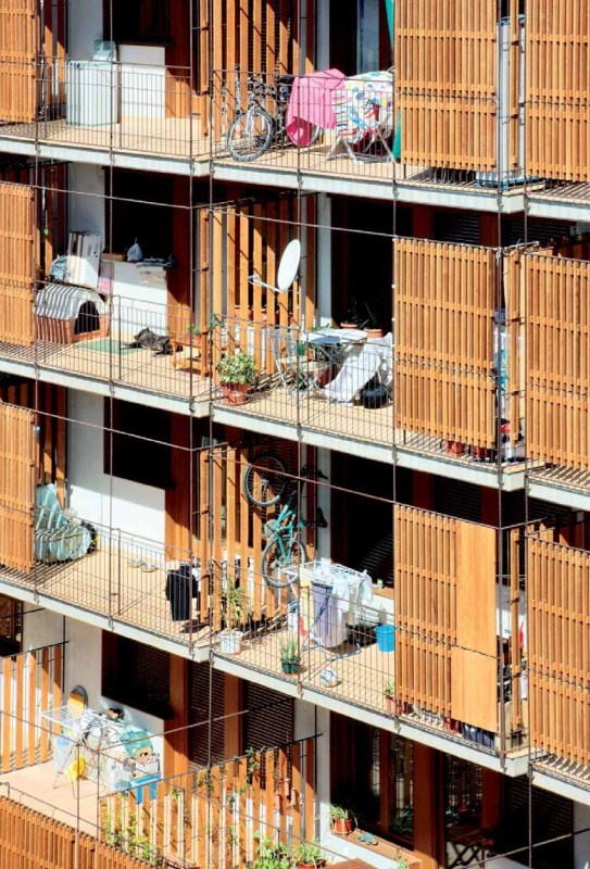 España. 80 viviendas de protección oficial en Salou. Obra de Toni Gironès. Foto: Fernando Aida