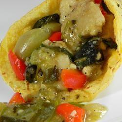 Pollo en salsa verde @ http://allrecipes.com.mx