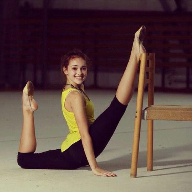 растянутые гимнастки фото конату