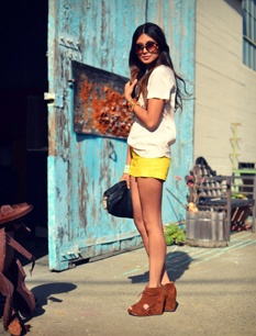 wedges and shorts: Yellow Shorts, Yellow Shoes, Wedges And Shorts, Fancy Shoes, Summer Colors, Hair, Bright Yellow, Style Blog, Belts