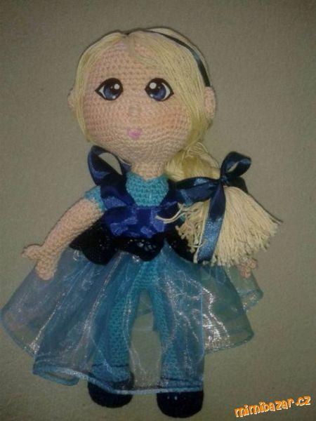 Háčkovaná panenka Elza