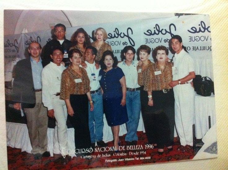Primer  grupo de maquilladores de Jolie de Vogue