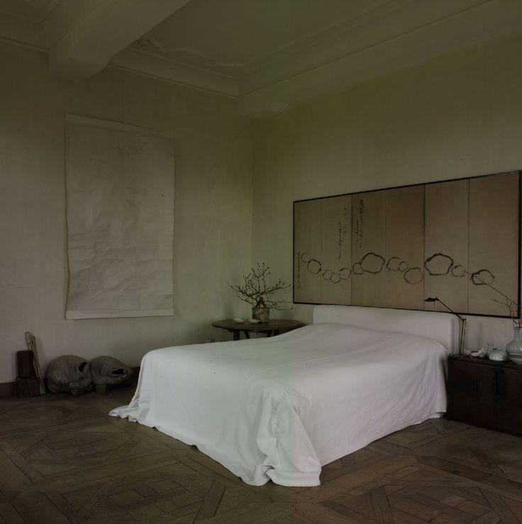 Bedroom by axel vervoordt soft earthy tones casual for Earthy bedroom inspiration