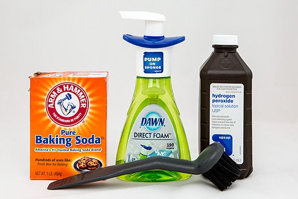 Wipe Out Stubborn Armpit Stains with Baking Soda, Dish Soap and Hydrogen Peroxide | Green Idea Reviews