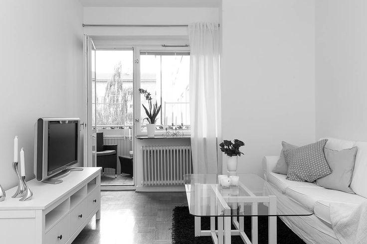 Härlig funkis 2:a på Ribersborg / Slottsstaden På efterfrågad adress och i en av Malmös stabilaste föreningar finner ni denna trivsamma bostad med balkong i perfekt söderläge. Bostaden är belägen på våning tre och genomgående...