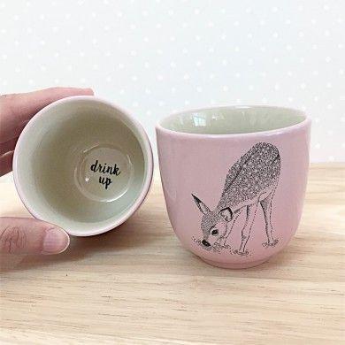 Petit Mug Faon Rose Drink Up Bloomingville. ♡ sur Lesinutiles.fr ♡ Un petit peu de douceur ne peut nous faire que du bien… Photo ©Lesinutiles
