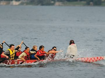 Dragon Boats hit the water in Barrie for annual fest - The annual Barrie Dragon Boat Festival hits the waters of Kempenfelt Bay today.