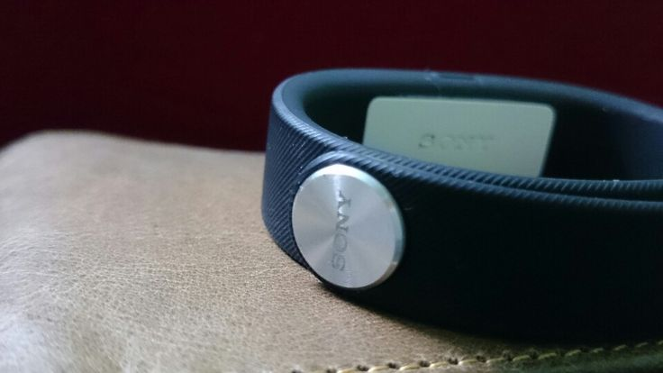 Sony smartband#z2 Clicks#daily object