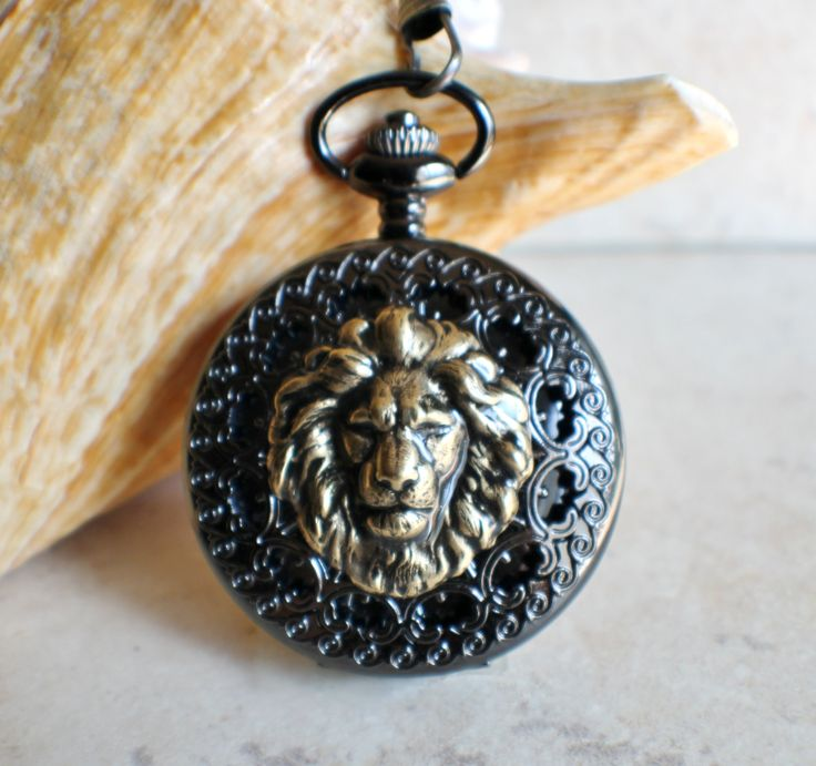 Men's lion pocket watch, mechanical pocket watch in black with bronze lion mounted on front cover