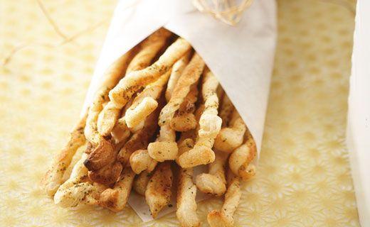 Snack: Skinny Breadsticks. 70 cals/serving.  #EpicureWLW