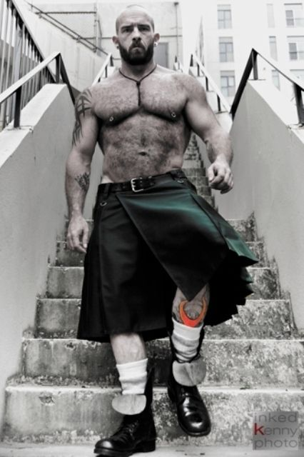 Community Post: 40 Shirtless Guys In Kilts....hmmm, beefy and hairy...something for a cold night and no cable!