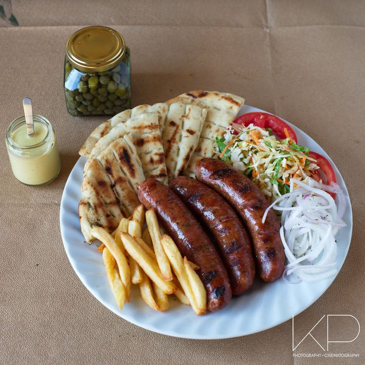 Πίτα, λουκάνικο, πατάτες και καλή όρεξη. Φωτογραφία φαγητού για κατάλογο και διαφήμιση #φωτογραφία #φαγητό #φαγητού #σουβλάκι #λουκάνικο #σαλάτα #πίτα #γύρος #πιτόγυρο #προϊόντων #φωτογράφηση #εμπορική #eshop #e-shop #διαφήμιση #διαφημιστική #Λάρισα #φωτογράφος #διαφήμισης #Τρίκαλα #Βόλος #Καρδίτσα #commercial #photography #product #photographer #Larissa #Larisa #Volos #Trikala #Karditsa