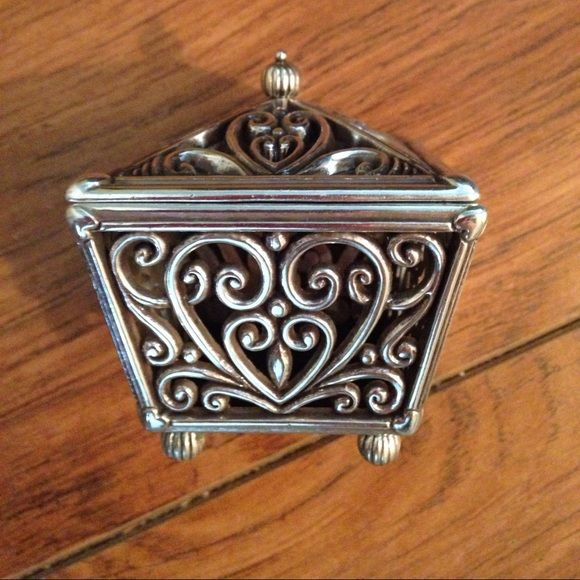 Brighton jewelry metal box This is very nice piece to store your jewelry does show signs of wear but over all good condition Brighton Jewelry