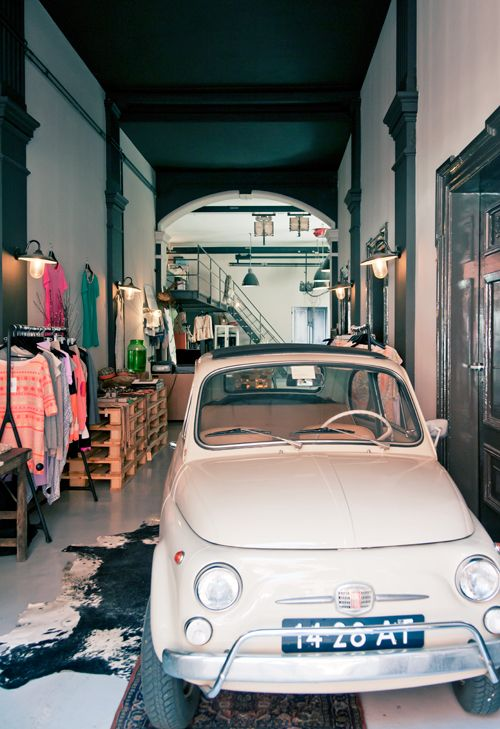 the collector #amsterdam #hotspot #vtwonenspecial productie Marianne Luning  fotografie James Stokes