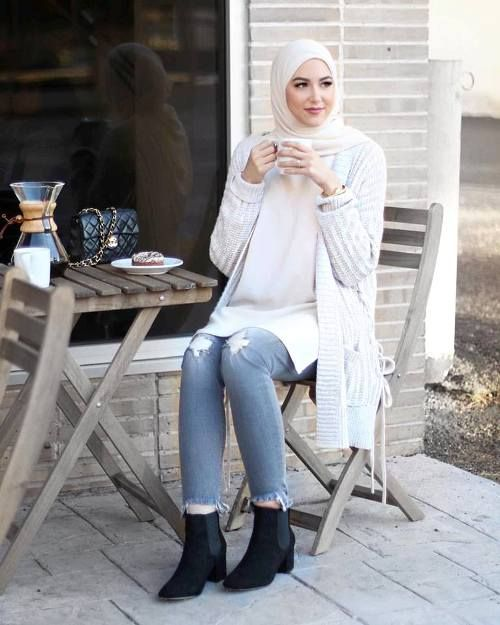 cute-hijab-by-leena-asaad- Cute cozy winter hijab style http://www.justtrendygirls.com/cute-cozy-winter-hijab-style/