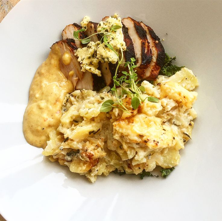 """Mats Westergren🇸🇪 på Instagram: """"Kvällens middag blir en marinerad kycklingfilé i bl. a timjan & rosmarin med smörfräst grönkål, potatisgratäng med potatis, gullök, vitlök,…"""""""