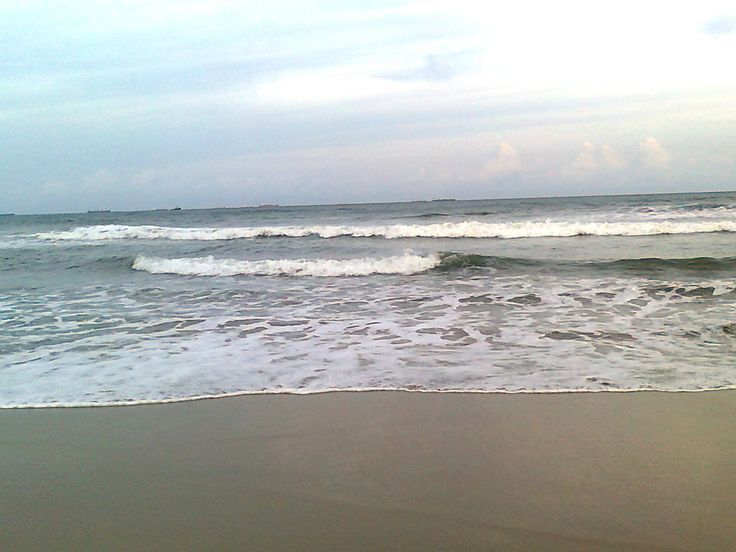 Kalingapatnam Beach is located on the coast of Kalingapatnam, where Vamsadhara River empties into Bay of Bengal. It is located at a distance of 30 km from Srikakulam in Srikakulam district of the Indian state of Andhra Pradesh. #beach #travel #destination #attraction #Andhrapradesh #enjoy