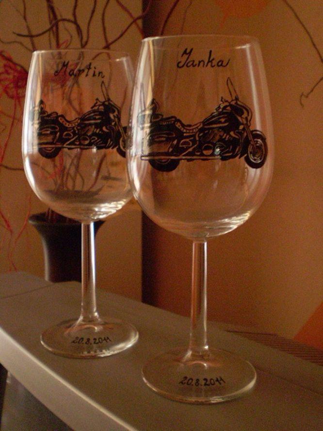 Saskia . Exclusive hand-painted wedding cups by Juliana Hamajdak. www.malovaneumenie.sk