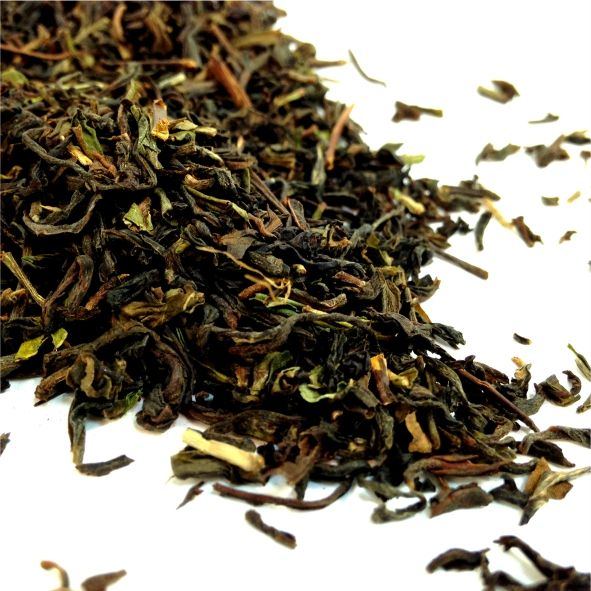 DARJEELING VINTAGE Nestled in the foothills of the Himalayas, this region produces high quality delicate leaves. These vintage leaves are stored during the picking season to allow them to produce a richer, more multifaceted aromatic flavour.
