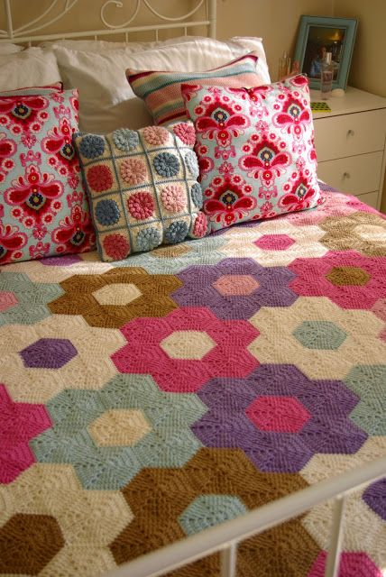 Lavender and Wild Rose crochet hexagon blanket and popcorn pillow.