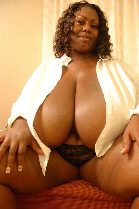 Chubby black rumps