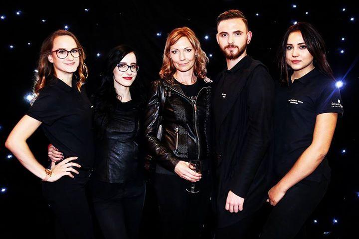 Backstage Team :) MissFace and European Jockeys club 2016 Česání modní přehlídky 😍  FashionStyle: Fashion Island Česká republika #fashion #woman #beauty #clothing #bags