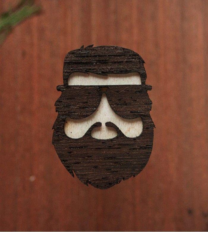 Значок Зак Галифианакис из Мальчишника в Вегасе. Из трех сортов дерева.