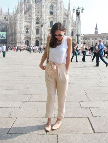 White and nude in front of the Duomo von stephanie_mo auf STYLIGHT #kaviargauche #sandro #nude #milan #mfw