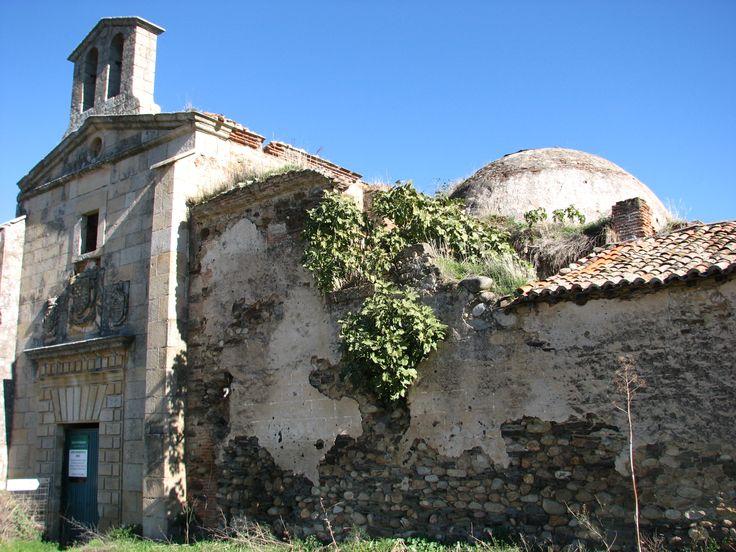 El Convento franciscano de Nuestra Señora de los Ángeles de la Bien Parada. En esta  ruina fue un día Facultad de Teología y Música.