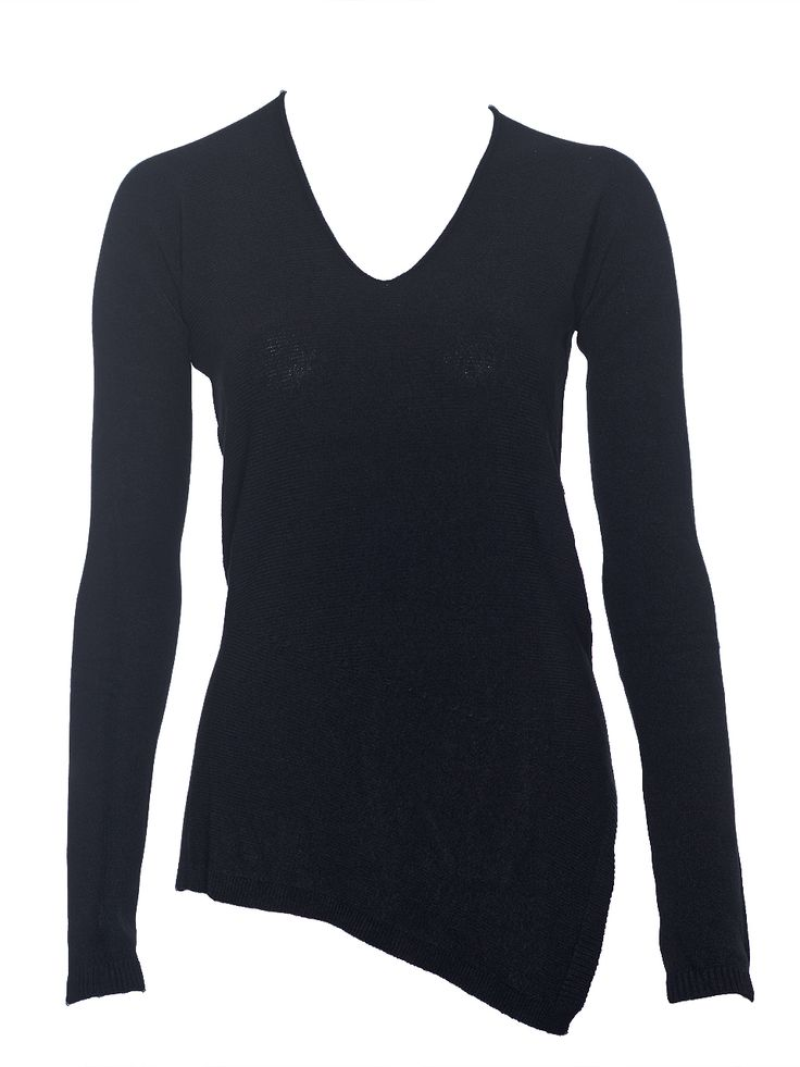 Longsleeve top in stretchy knit with asymmetrical hem.