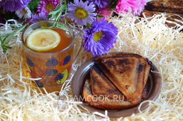Фото сладкого сэндвича с вишневым вареньем