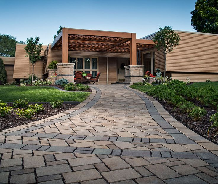 Seeing for superlative driveway paver in Manhattan or tired of old one and want to change it. Then contact RYDL Contracting & Waste Removal.