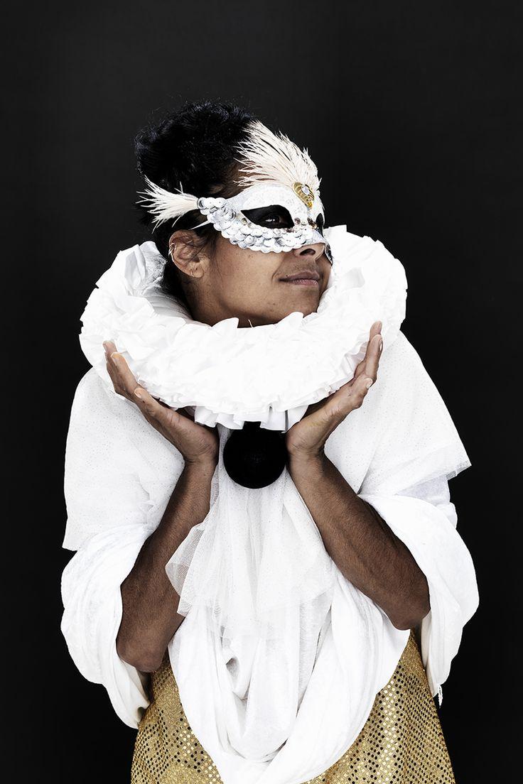 Harlequin at the masquerade www.pandurohobby.com Masquerade by Panduro #DIY #face #paint #dressup #facepaint #masquerade #fastelavn