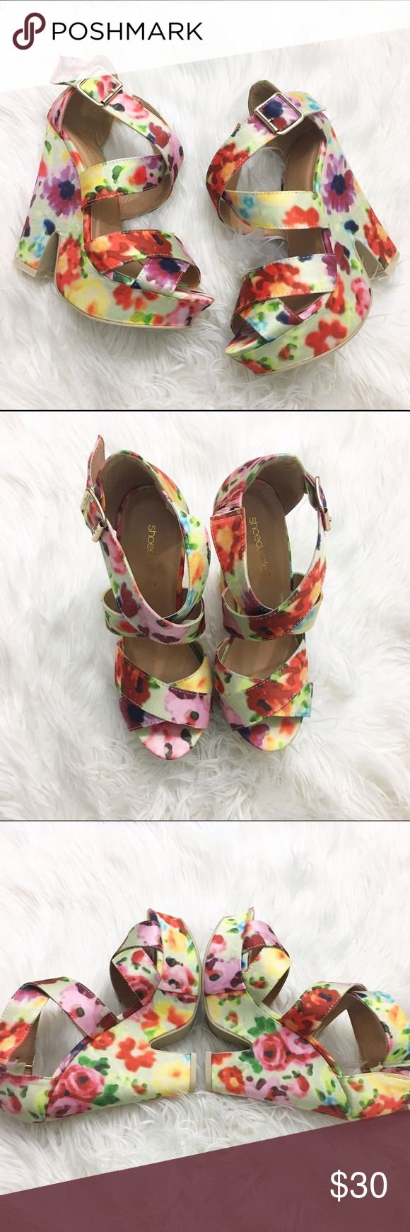 "Shoe dazzle Floral strappy platform summer sandal Perfect for a summer wedding! Size 7, very light signs of wear on the upper, minimal sole wear. 1.5"" platform, 5 1/4"" heel, size 7, run a little big. Shoe Dazzle Shoes Platforms"