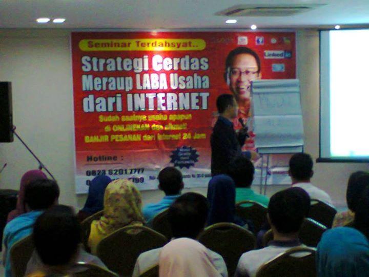 pembicara internet marketing jogja, pengamat bisnis internet marketing tlp : 081-333-841-183 (simpati)